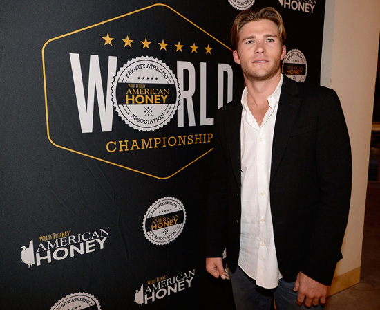 Scott Eastwood American Honey Bouron Liqueur