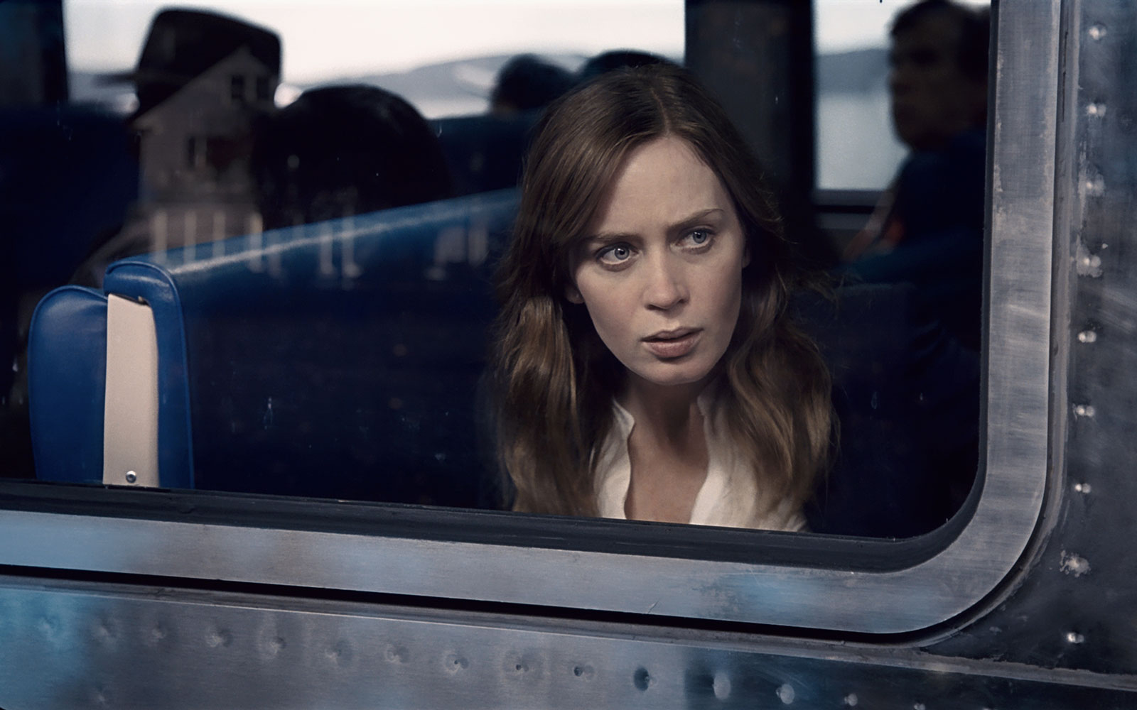 'the girl on the train' movie review by lucas mirabella