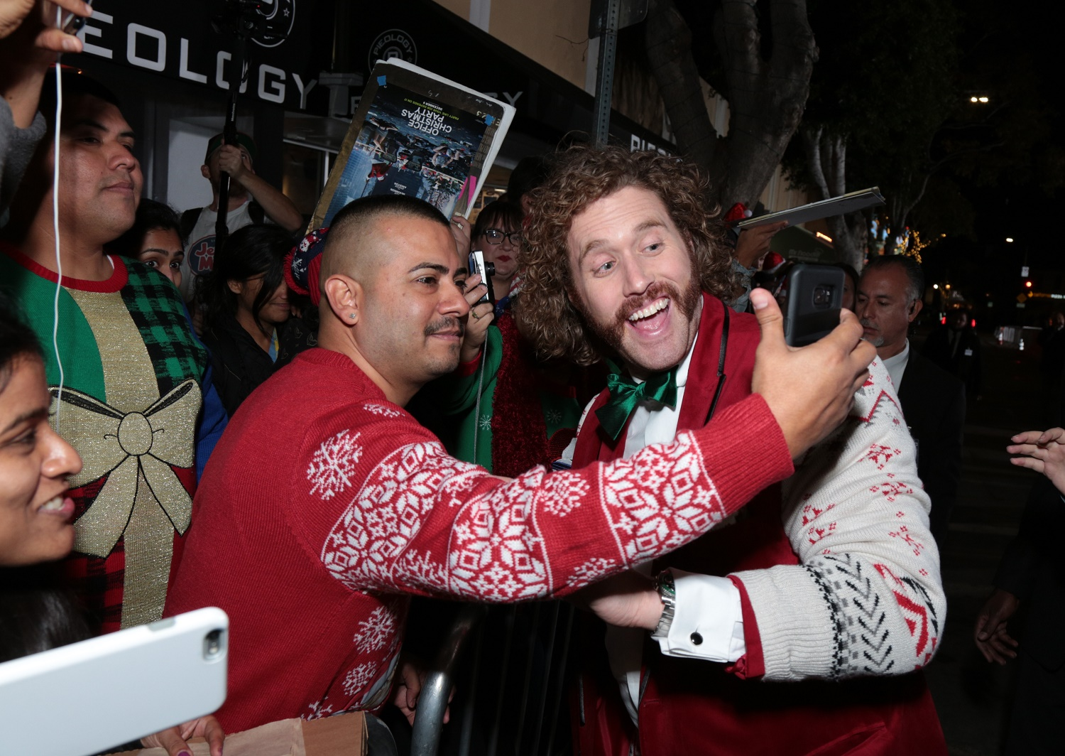 jennifer aniston, tj miller, office christmas party premiere