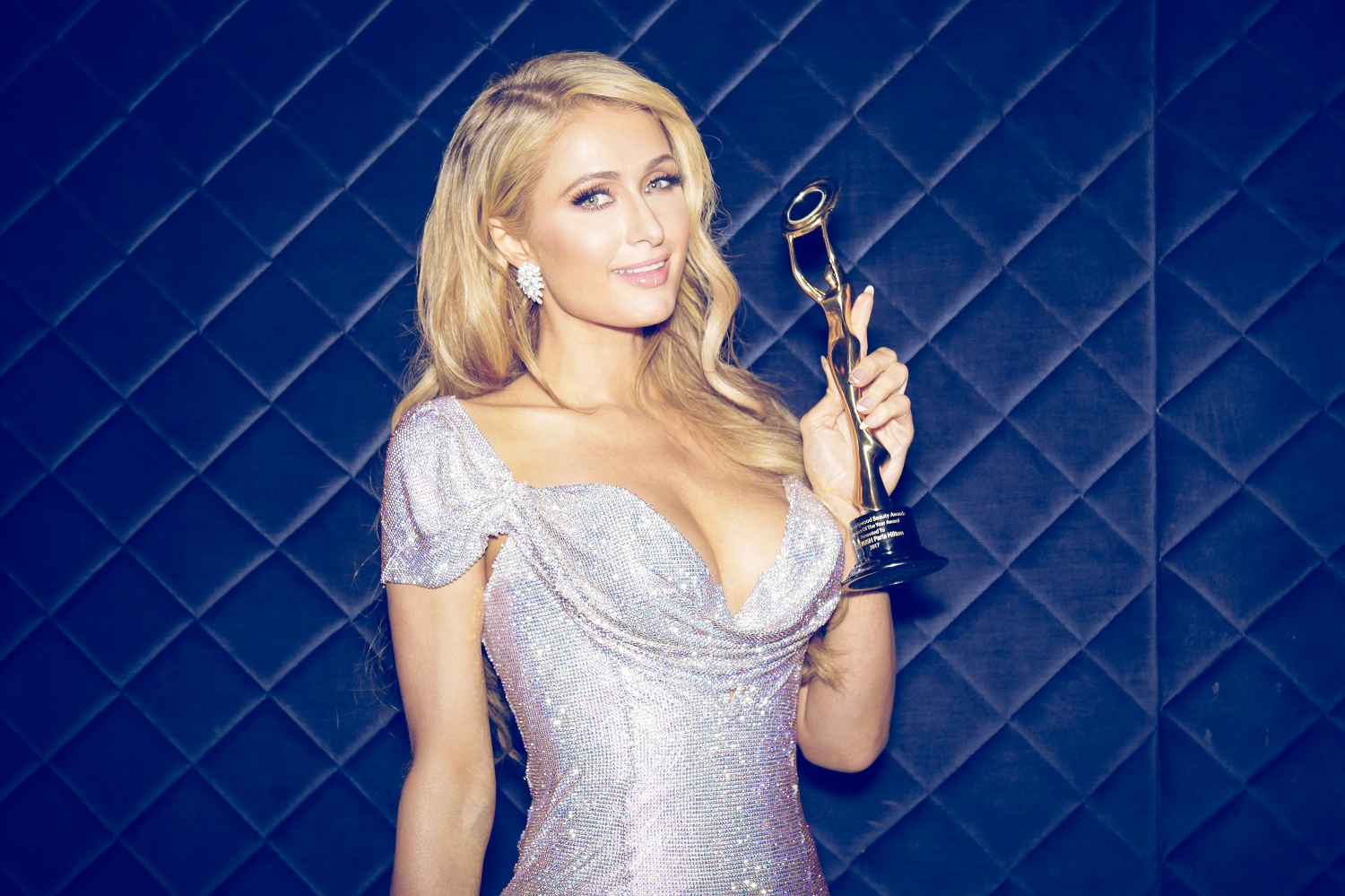 Paris Hilton, Hollywood Beauty Awards, gold rush