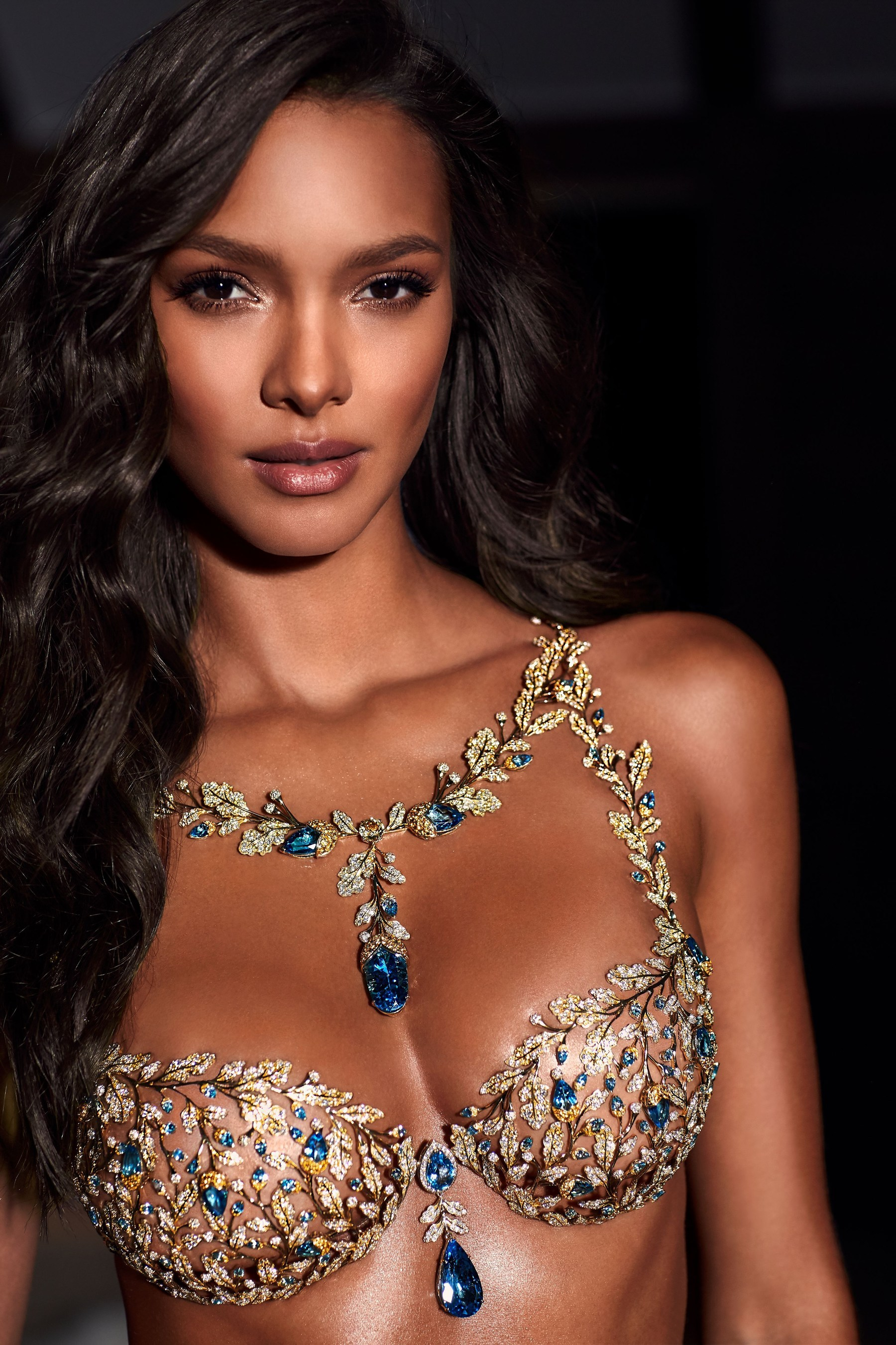 victoria's secret diamond bra