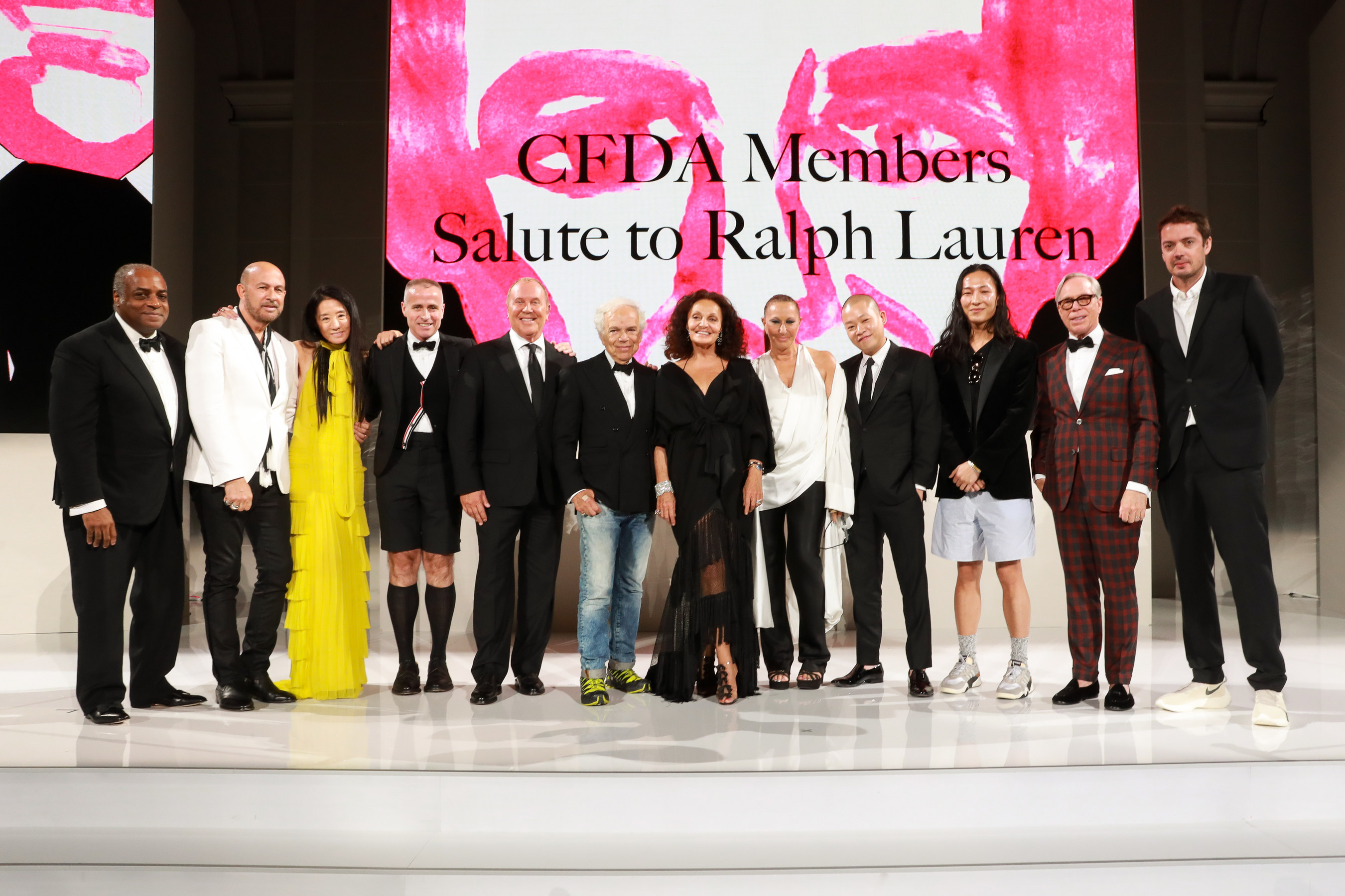 2018 Cfda Fashion Awards Winners Donatella Versace Ralph Lauren More Honored Latf Usa
