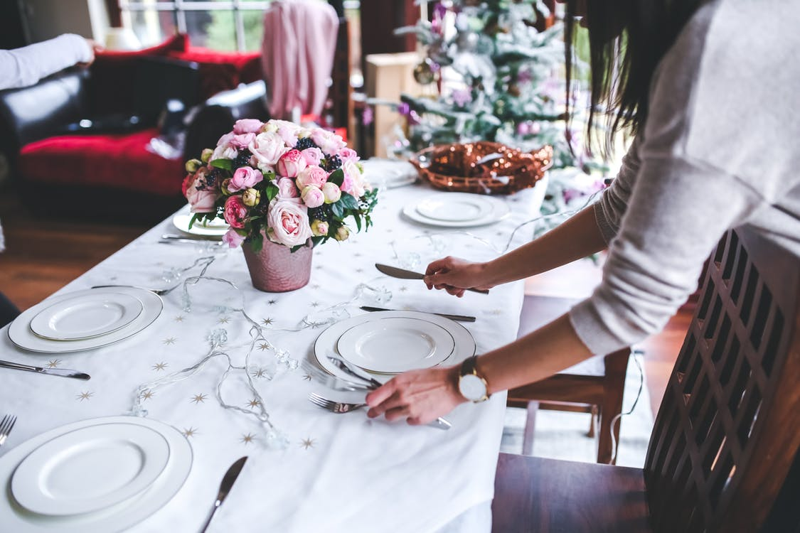 Sharon Schweitzer, thanksgiving etiquette tips