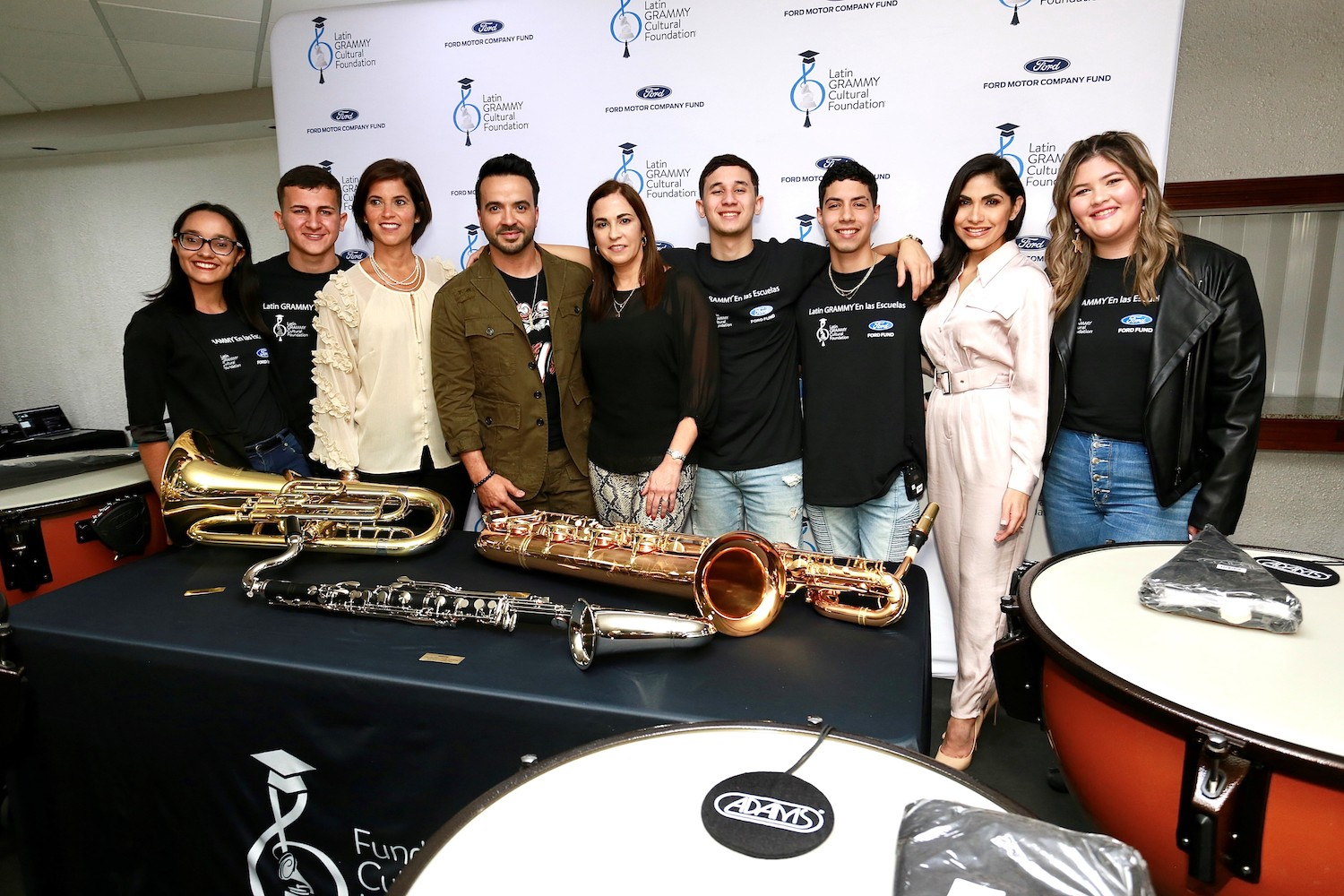latin grammy foundation, luis fonsi